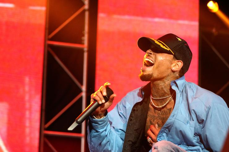 Hot Shots: Chris Brown Reads To School Children - That ...   Chris Brown School Pictures